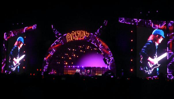 Review: AC/DC shakes San Francisco all night long