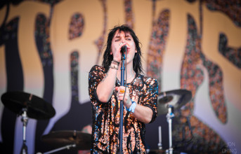 Inside BottleRock: The Struts embrace their English glamour