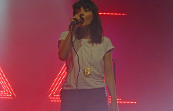Photos & video: Chvrches at the Fox Theater in Oakland, 9/18/2014