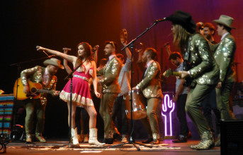 Photos and video: Kacey Musgraves, the Lone Bellow and Humming House at the Fox Theater, April 25, 2015