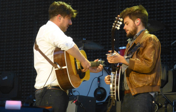 Review, photos, videos: Mumford & Sons - 5/30