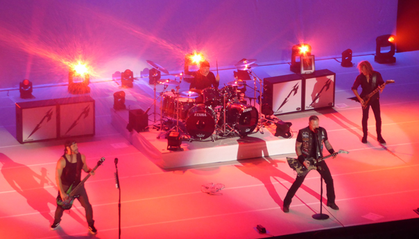Review & Photos: Metallica fades 2016 to black at the Fox