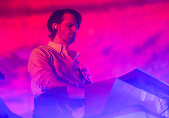 Photos, video: Tycho kicks off world tour with hometown gig