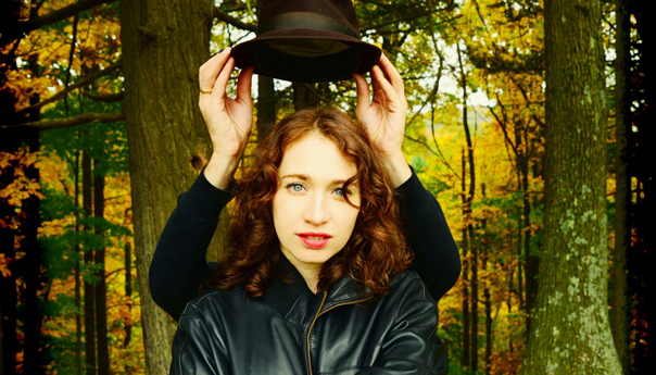 Regina Spektor delights at wet and rainy performance at the Greek Theatre
