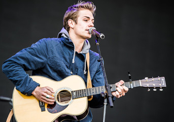 Introducing Corey Harper: Folky singer-singerwriter has an eye for pop
