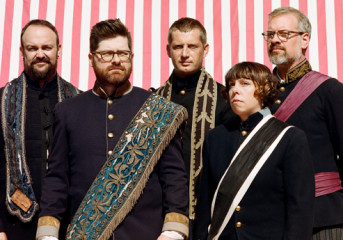 """REVIEW: The Decemberists play """"stuff they don't normally play"""" in Oakland"""