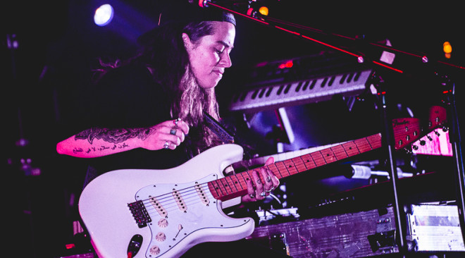 Noise Pop Review: Tash Sultana becomes a star before our eyes at Swedish American Hall