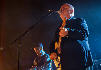 PHOTOS: Pixies find a second gear in Oakland
