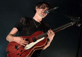 REVIEW: James Bay brings a new sound to the Fillmore