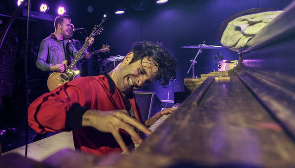 Low Cut Connie's Adam Weiner keeping the 'roll' in rock