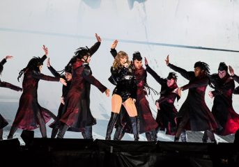 REVIEW: Taylor Swift plays snake queen at Reputation Tour stop in Santa Clara