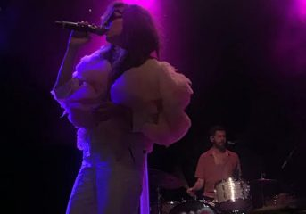 REVIEW: Brazilian Girls turn El Rey into a mass of love