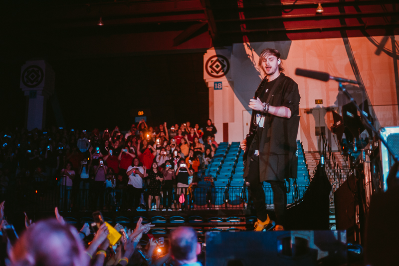 5 Seconds of Summer bathe in 'Youngblood' in San Jose | RIFF
