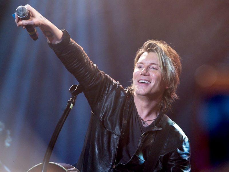 Goo Goo Dolls get 'Dizzy' on LP's 20th anniversary tour in