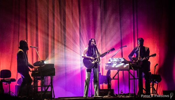 REVIEW: Kacey Musgraves exercises the art of the slow burn at the Masonic