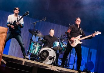 REVIEW: Weezer and the Pixies mix it up in Oakland