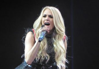 REVIEW: Carrie Underwood shows her range has grown at Oracle concert