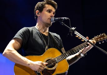 REVIEW: John Mayer follows his own muse at Chase Center