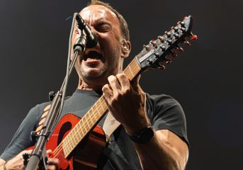 Dave Matthews Band experiments with winning formula at Chase Center