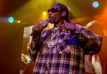 """PHOTOS: Snoop Dogg brings his """"I Wanna Thank Me"""" tour to the Fillmore"""