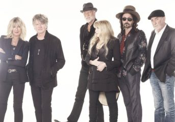 REVIEW: Fleetwood Mac get bluesy with new members in Oakland