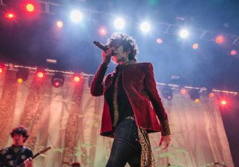 REVIEW: LP feeds her admirers 'Heart to Mouth' at the Fox