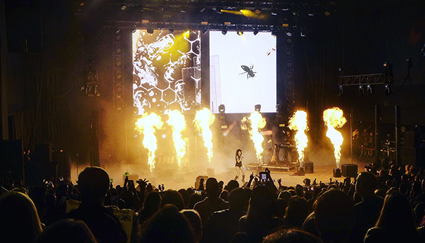REVIEW: Halsey, Ellie Goulding bring the sounds of summer to WAZZMATAZZ